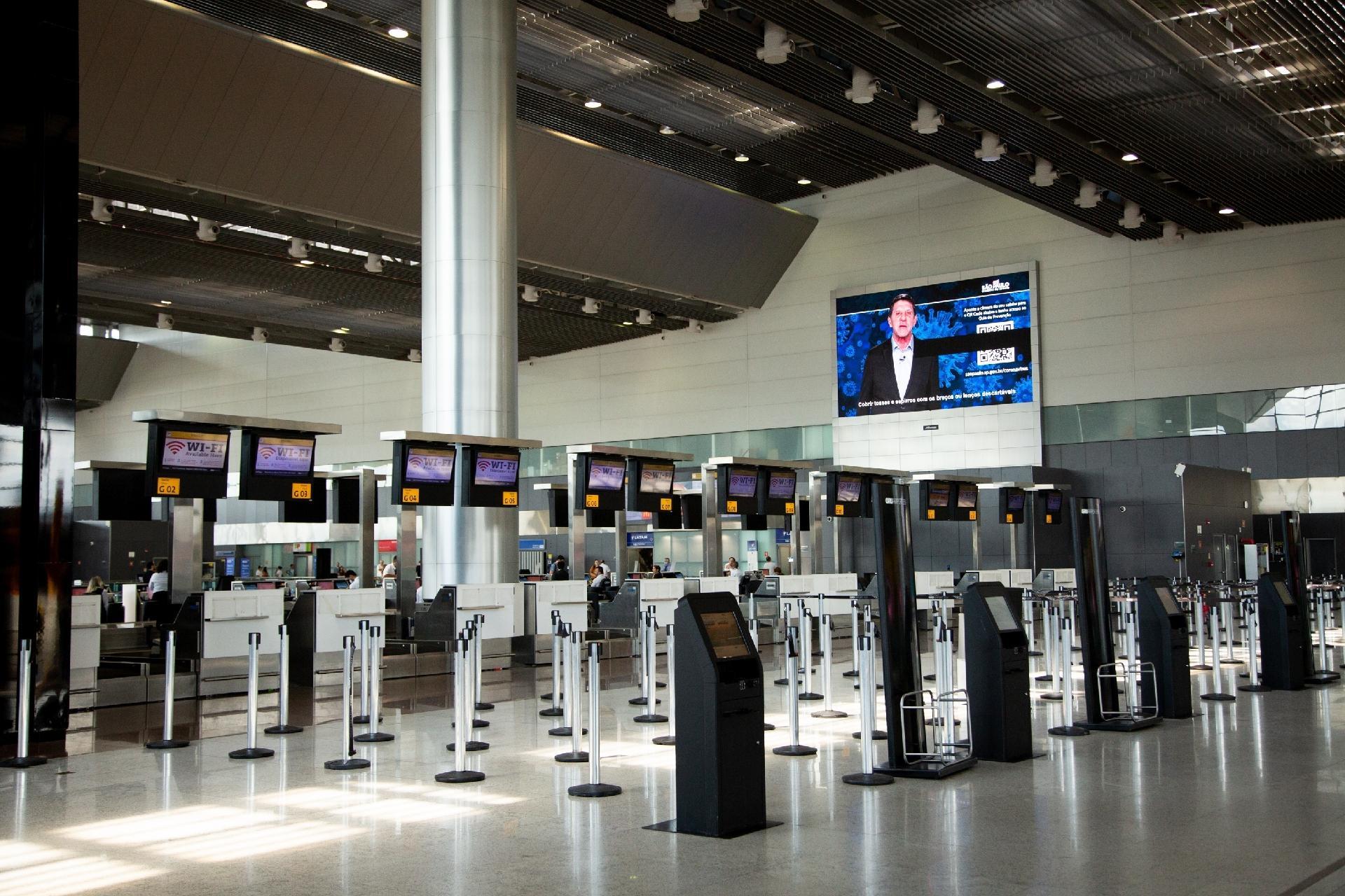voos de longa distância só devem se recuperar após 2022