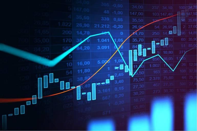 decisões de juros faz ibovespa oscilar na véspera
