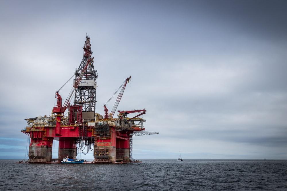 preços-do-petróleo-não-dão-sinais-de-melhora-na-crise-de-energia
